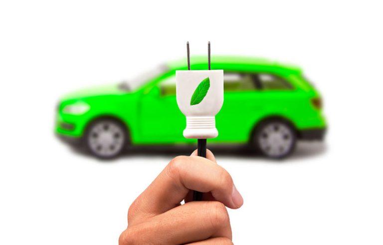 Ohren-gespitzt-E-Autos-müssen-brummen