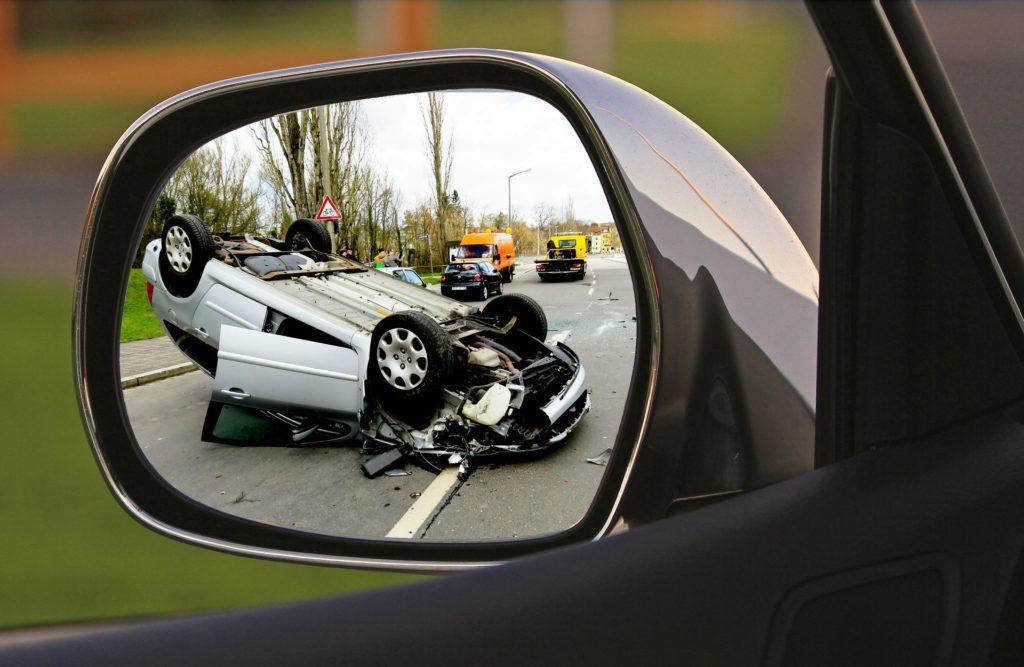 Unfall-Auto-Totalschaden-Silber